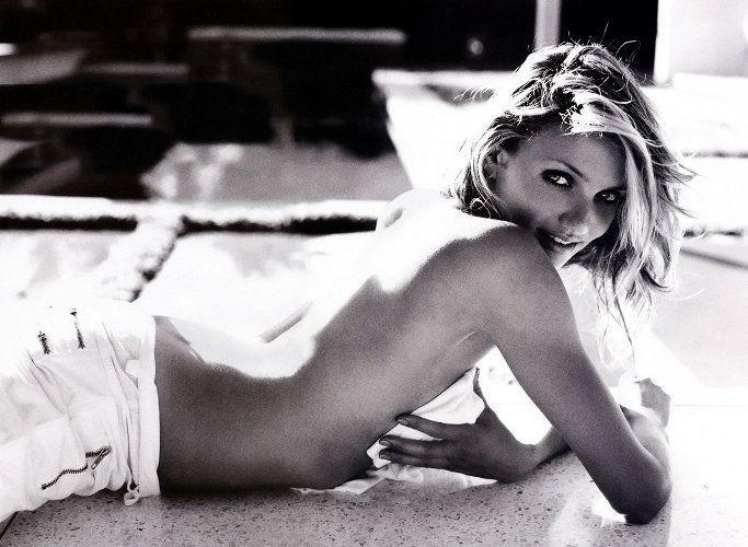 Una splendida Cameron Diaz in una foto in bianco e nero