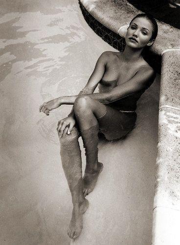Una splendida Cameron Diaz in uno scatto in bianco e nero
