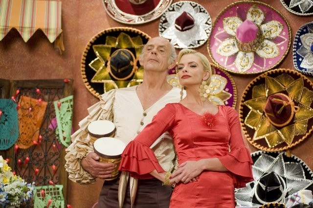 Jaime Pressly e Christopher Lloyd in The Oogieloves in the Big Balloon Adventure