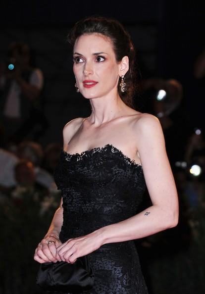Venezia 2012: Winona Ryder sul red carpet per The Iceman