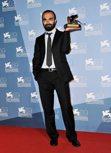 Ali Aydın col premio Luigi De Laurentis ricevuto per Mold
