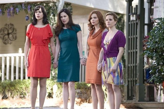 Army Wives: Kim Delaney, Catherine Bell, Brigid Brannagh e Sally Pressman nell'episodio Tutta la nazione grata