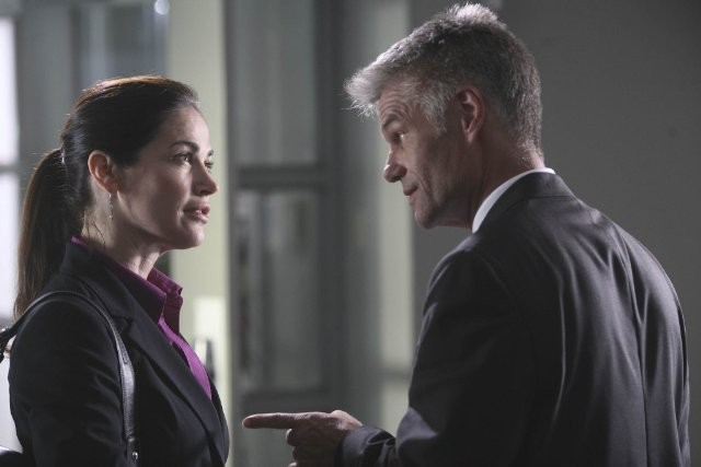 Army Wives: Kim Delaney ed Harry Hamlin nell'episodio Giudizio ed errore