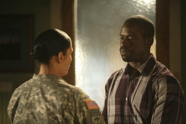 Army Wives: Wendy Davis e Sterling K. Brown nell'episodio Tutta la nazione grata