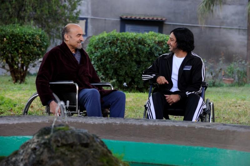 All'ultima spiaggia: Ivano Marescotti e Carmine Faraco in una scena
