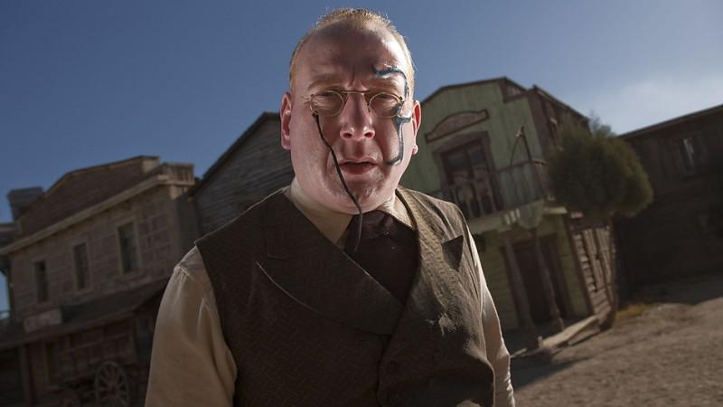 Adrian Scarborough  in una foto promozionale dell'episodio A Town Called Mercy della settima stagione di Doctor Who