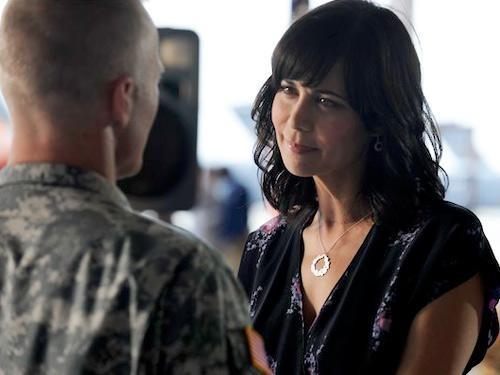 Catherine Bell in un momento dell'episodio Contromisure della quinta stagione di Army Wives - Conflitti del cuore