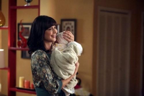 Catherine Bell in una scena dell'episodio Decisioni difficili della quinta stagione di Army Wives - Conflitti del cuore