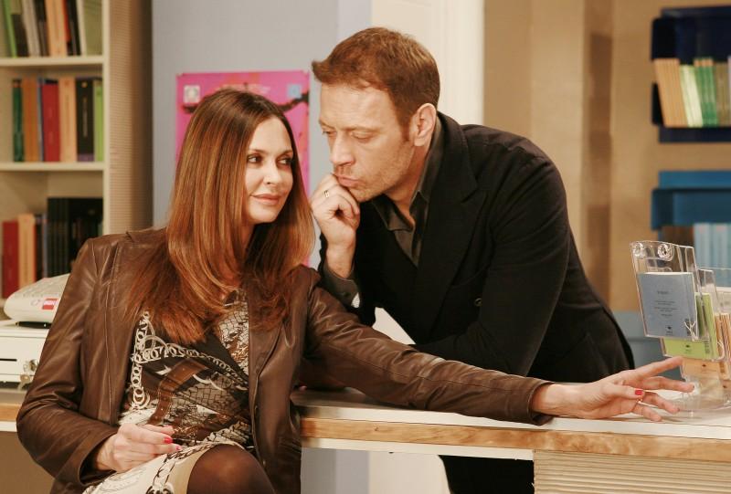 I Cesaroni 5: Elda Alvigini e Rocco Siffredi in una scena