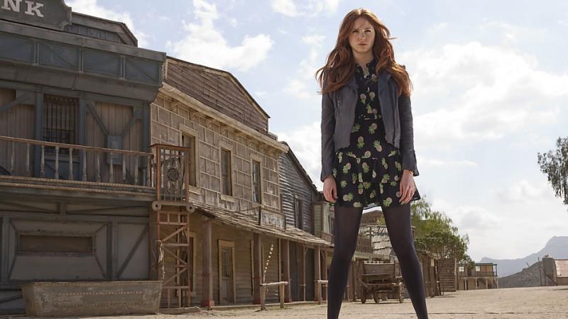 Karen Gillan in un'immagine promozionale dell'episodio A Town Called Mercy della settima stagione di Doctor Who