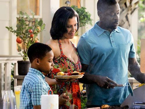 Sterling K. Brown in un momento dell'episodio Zona di lancio della quinta stagione di Army Wives - Conflitti del cuore