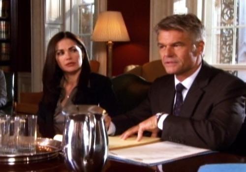 Harry Hamlin in una scena dell'episodio Addio al nubilato della quinta stagione di Army Wives - Conflitti del cuore
