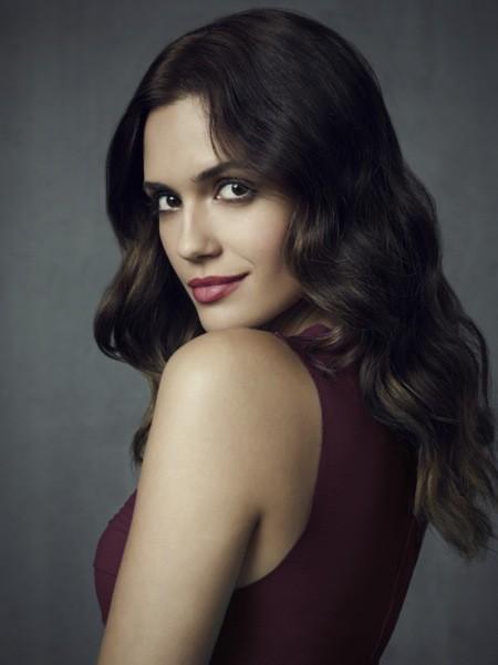 The Vampire Diaries: Torrey DeVitto in una foto promozionale della stagione 4