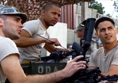 Una scena dell'episodio Braccia che sorreggono della quinta stagione di Army Wives - Conflitti del cuore