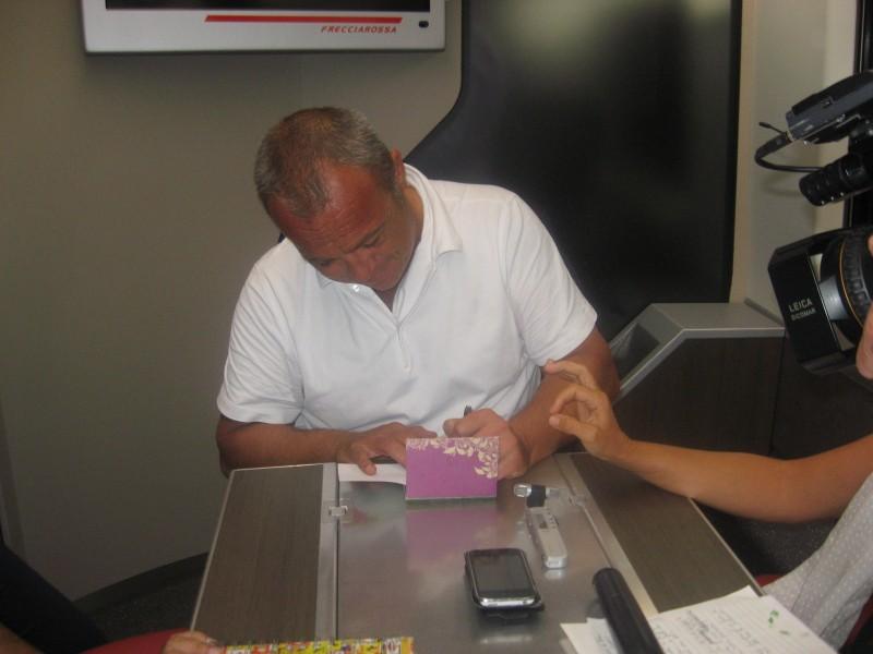 Cesaroni 5: Claudio Amendola firma autografi al Cesaroni Day del 12 Settembre 2012