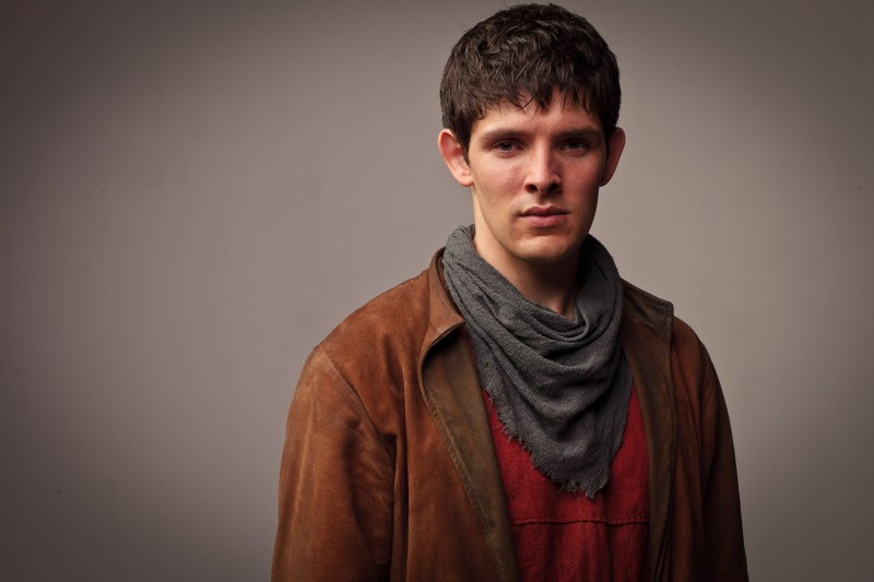 Colin Morgan in un'immagine promozionale della quinta stagione della serie televisiva Merlin