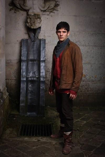 Colin Morgan in una foto promozionale della quinta stagione dello show televisiva Merlin