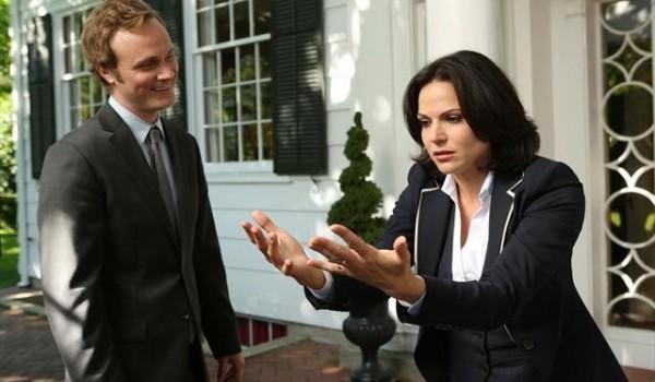 Lana Parilla e David Anders in una foto della seconda stagione della serie TV C'era una volta