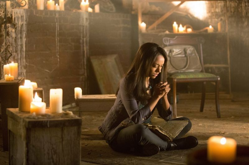 The Vampire Diaries: Kat Graham in una scena dell'episodio Growing Pains