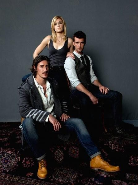 Haven: Emily Rose, Eric Balfour e Lucas Bryant in una foto promozionale della stagione 3
