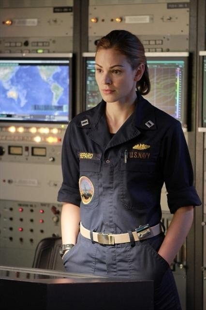 Last Resort: Daisy Betts nell'episodio Captain