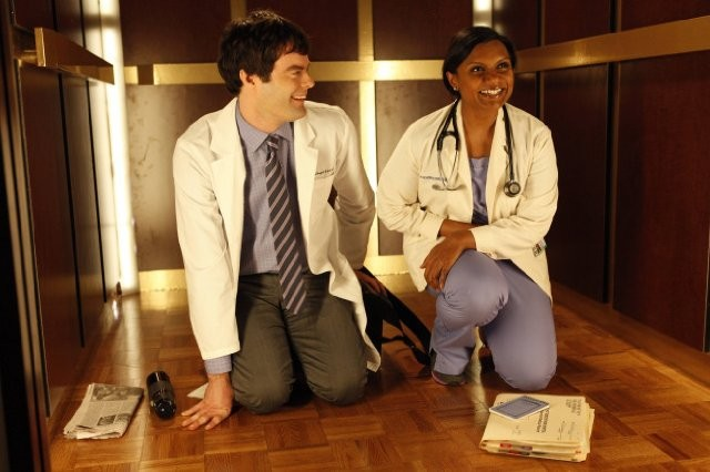 The Mindy Project: Bill Hader e Mindy Kaling in una scena della serie