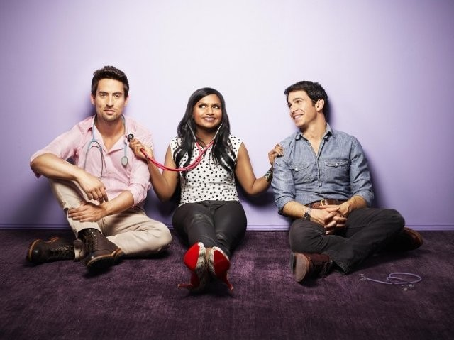 The Mindy Project: Chris Messina, Mindy Kaling ed Ed Weeks in una foto promozionale della serie