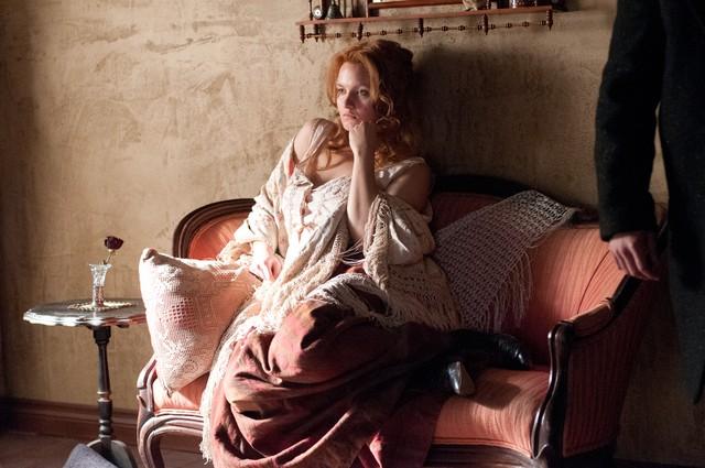 Copper: Tanya Fischer in una scena dell'episodio Husbands and Fathers
