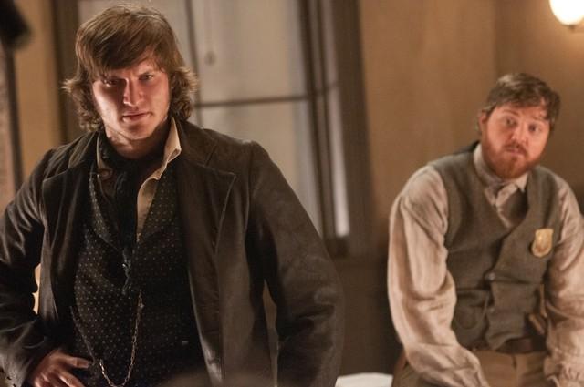 Copper: Tom Weston-Jones e Dylan Taylor nell'episodio La Tempete