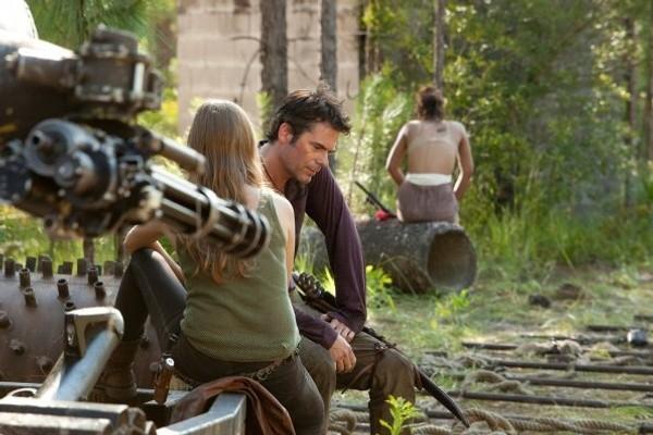 Revolution: Tracy Spiridakos e Billy Burke nell'episodio Chained Heat
