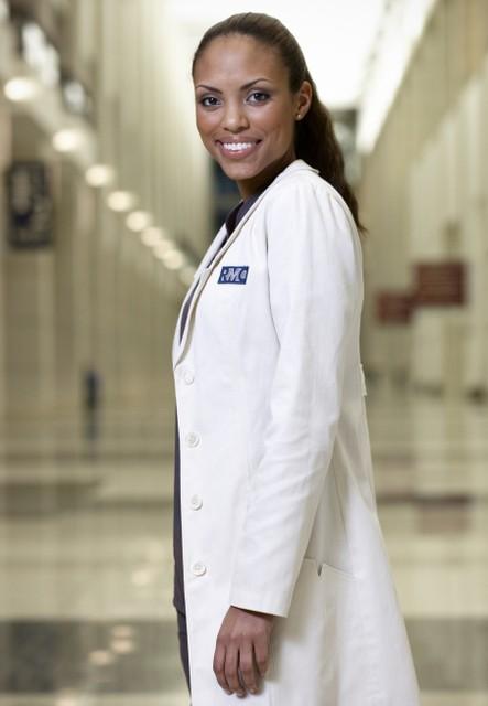 The Mob Doctor: Jaime Lee Kirchner in una foto promozionale della serie