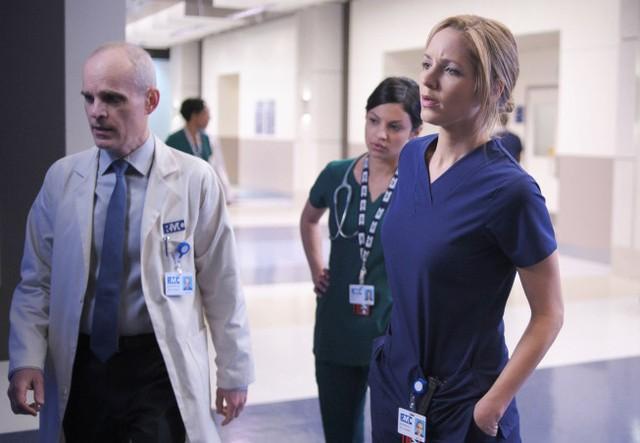 The Mob Doctor: Zeljko Ivanek, Floriana Lima e Jordana Spiro nel pilot della serie