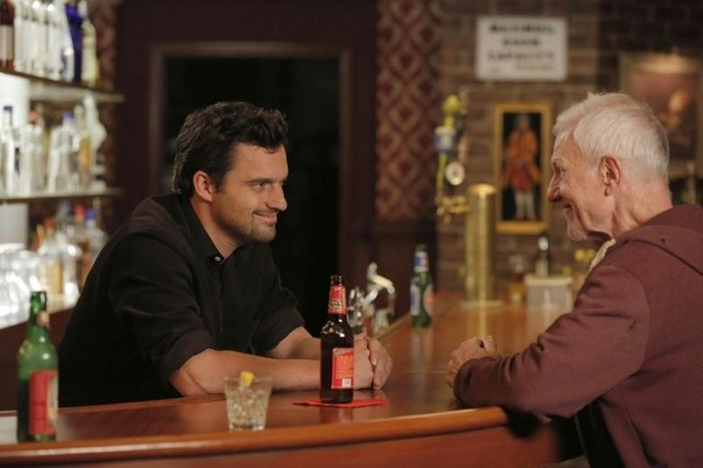 New Girl: Jake Johnson e Raymond J. Barry nell'episodio Katie
