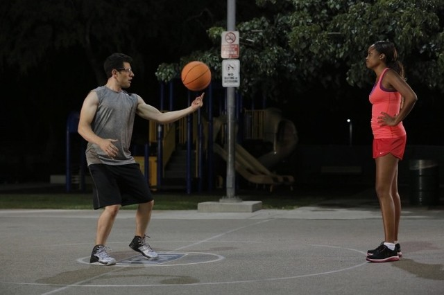 New Girl: Keenyah Hill e Max Greenfield nell'episodio Katie