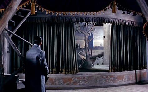 Pierre Brice in una sequenza dell'horror Il mulino delle donne di pietra (1960)