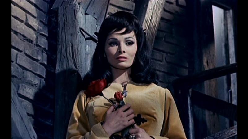 Scilla Gabel in una sequenza del film Il mulino delle donne di pietra