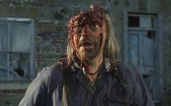 Una truculenta scena del film Inbred