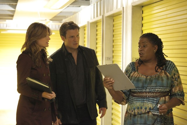 Castle: Stana Katic, Nathan Fillion e Carlease Burke nell'episodio Secret's Safe With Me