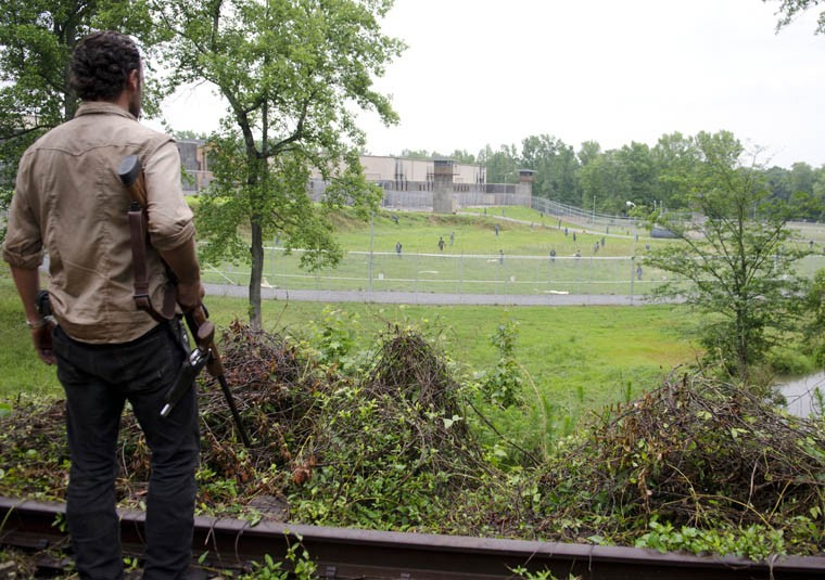 The Walking Dead: Andrew Lincoln nell'episodio Seed, premiere stagione 3