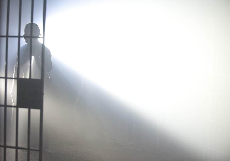 The Walking Dead: un'immagine suggestiva dell'episodio Seed, premiere stagione 3