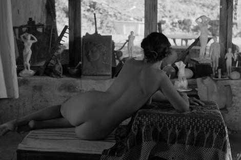 Una sensuale Aida Folch in El artista y la modelo