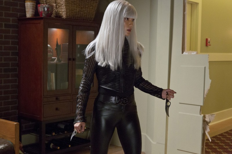 Arrow: Kelly Hu in una scena dell'episodio Honor Thy Father della prima stagione