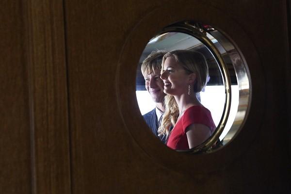 Gabriel Mann ed Emily VanCamp nell'episodio Destiny della seconda stagione della serie TV Revenge