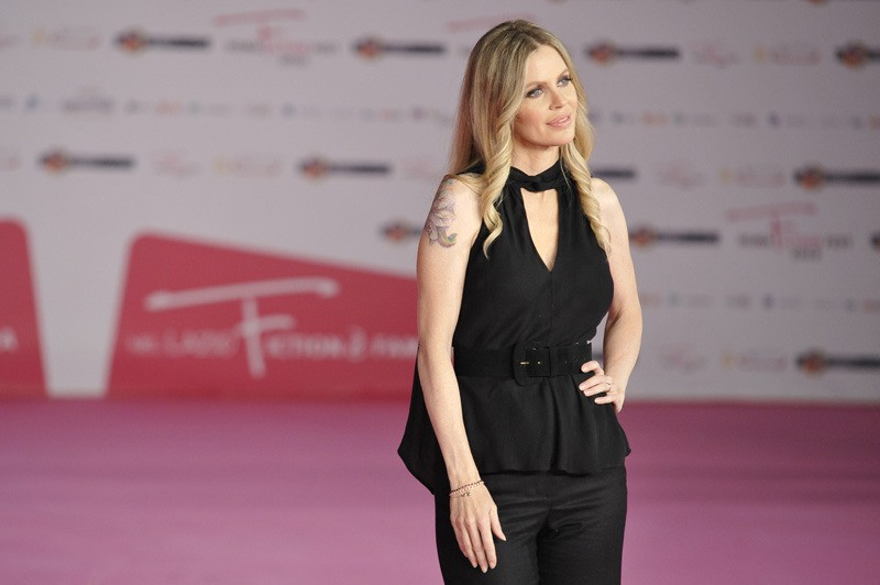 Kristin Bauer di True Blood sfila sul pink carpet del RomaFictionFest 2012