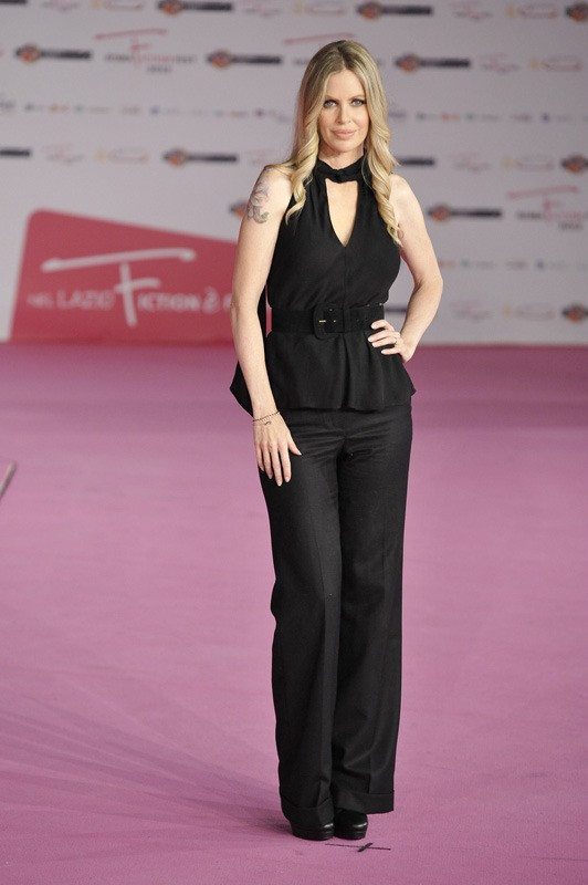 Kristin Bauer, la Pam di True Blood, sfila sul pink carpet del RomaFictionFest 2012