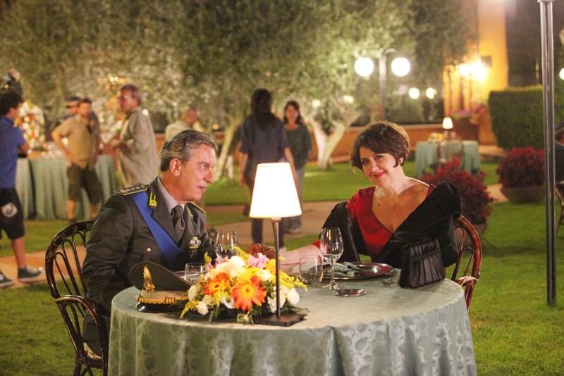 Un medico in famiglia 8: Gianfelice Imparato ed Emanuela Grimalda in una scena della serie