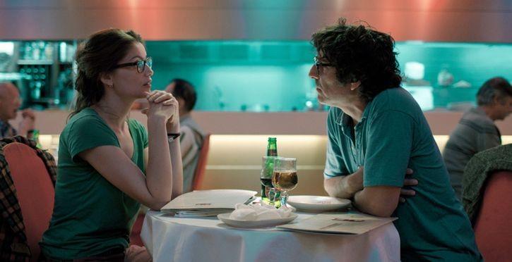 Laetitia Casta con Yvan Attal in Do Not Disturb (2012)