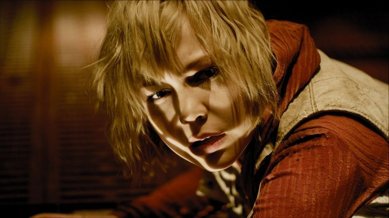 Adelaide Clemens in Silent Hill: Revelation 3D nei panni di Heather