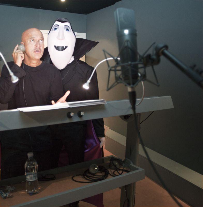 Hotel Transylvania: Claudio Bisio impegnato nel doppiaggio del conte Dracula
