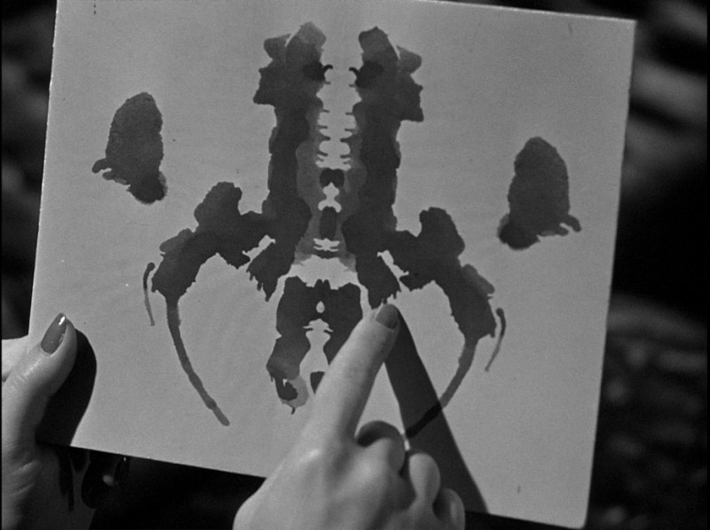 Una sequenza del film lo specchio scuro 1946 con le macchie di rorschach 253360 - Lo specchio film ...
